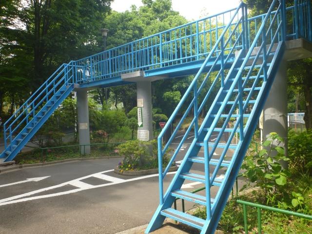 杉並児童交通公園の歩道橋